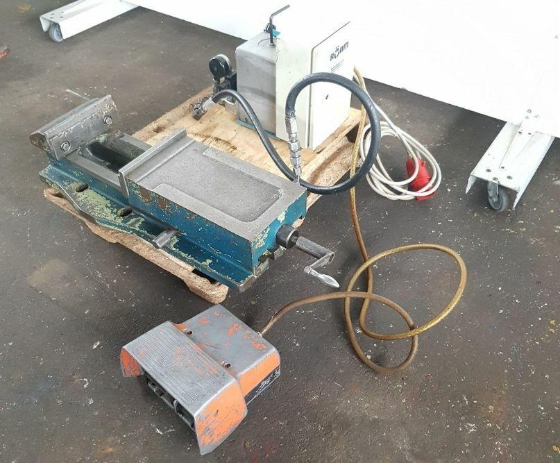Rohm 744 05 Electric Hydraulic Machine Vice Used